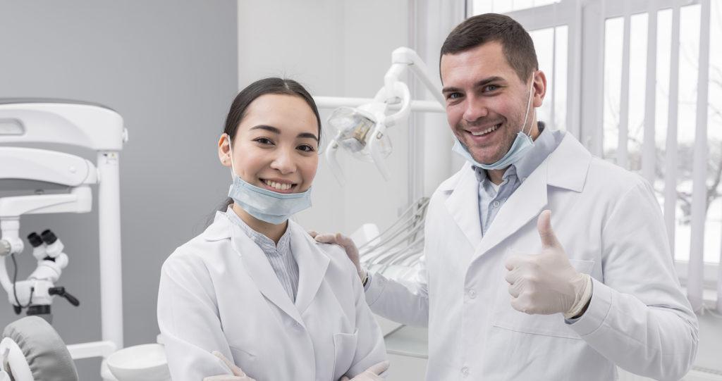 Dentistas-felizes